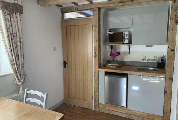 Owl Barn 1---Kitchen